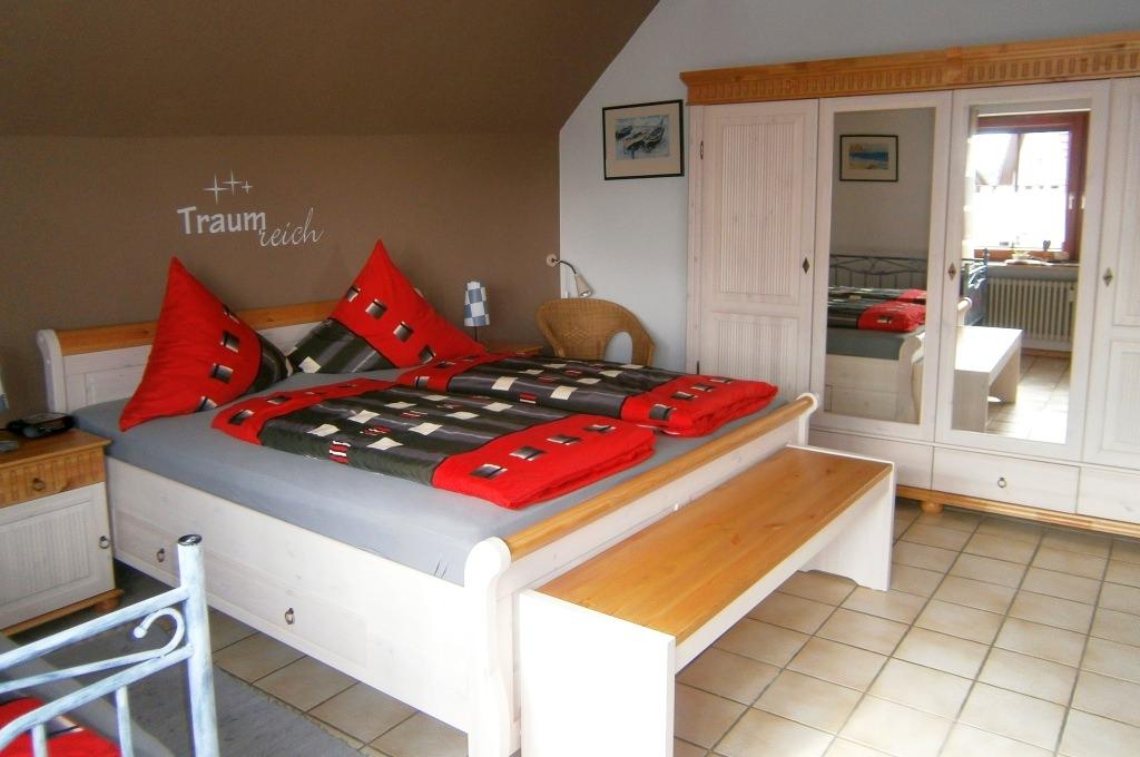 Gästehaus Abendsonne: …Doppelbett,…
