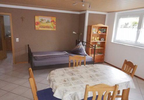 Ferienwohnung Ambiente: Wohn- und Schlafbereich