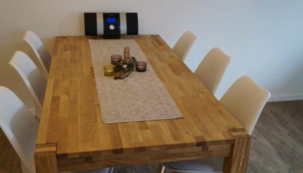 Ferienwohnung Scheune: Tisch